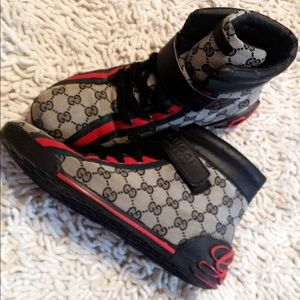 Authentic GUCCI Blk/Red Monogram Logo Hightops